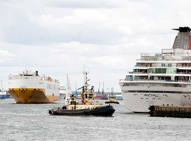 Southampton Docks busy with shipping